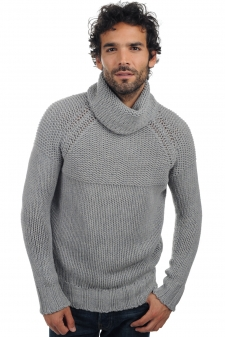 Yak  men round necks julius